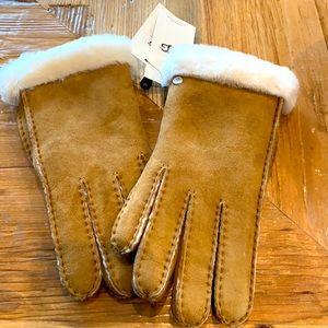NEW Ugg Women's Shearling Gloves